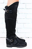 Ботфорты замшевые черные, на черной подошве, без каблука, с пряжками, код 1873
