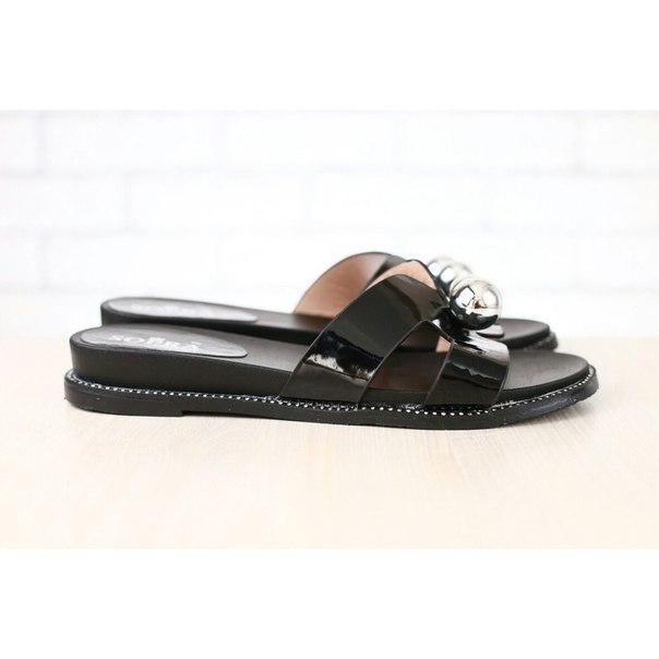32df42bfc82a Женские шлепанцы, в стиле Hermes, черные - Интернет-магазин обуви Vzuto.com