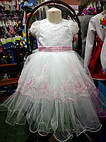 Белое с розовой вышивкой бальное платье для девочки на 3 - 5 лет