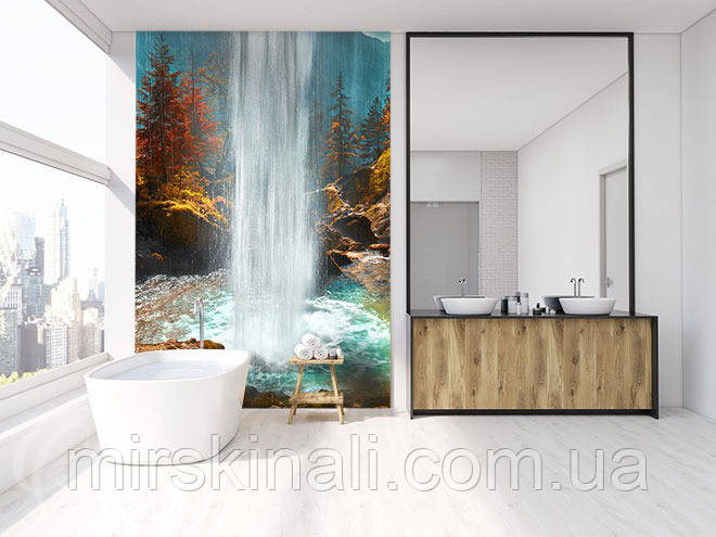 Фото панно у ванну з скла в інтер'єрі