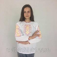 Вышиванка для девочки с орнаментом
