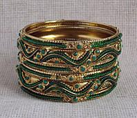 Комплект индийских браслетов зеленого цвета с бисером