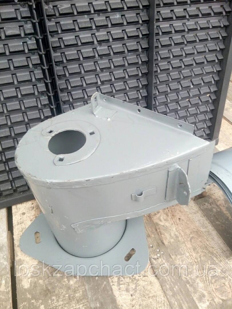 Кожух распределительного шнека бункера 54-6-5-1Г Нива