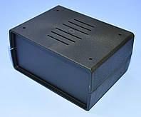 Корпус пластмассовый   Z-3W  150х110х70 (ш*д*в) c вентиляцией  Kradex