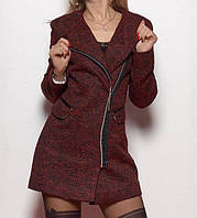 Модное пальто на молнии красного цвета