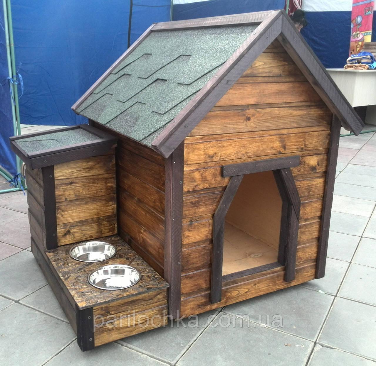 Деревянная будка для собак
