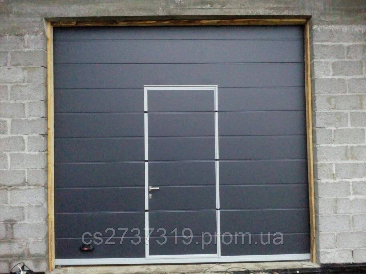 Гаражные секционные ворота  DoorHan 3200*3000, автоматические