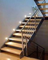 Деревянная лестница на металлокаркасе с подсветкой