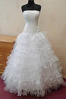 Нежное свадебное платье с вышивкой и оборками, размер 40-44