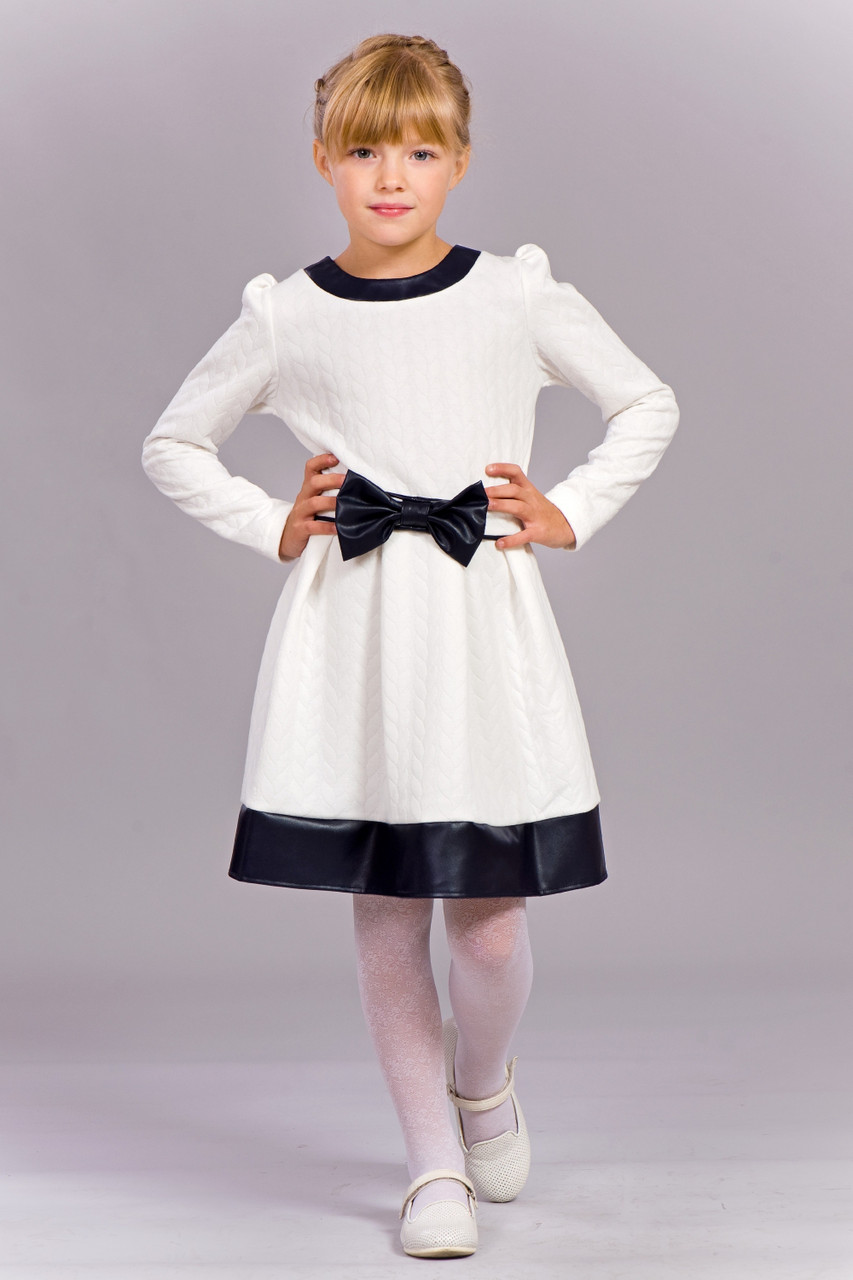 Платье для девочки из фактурного трикотажа