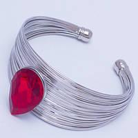 Браслет № 7 белый металлический с красным камнем