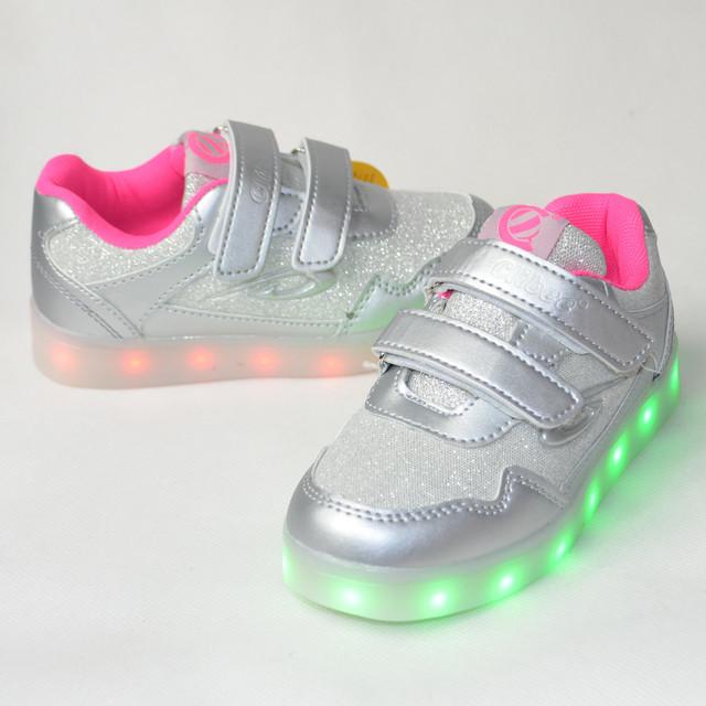 Кроссовки с подсветкой для девочек