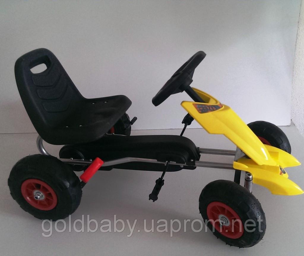 Детский вело-мобиль,на педалях,и резиновыми колесами. GM28***