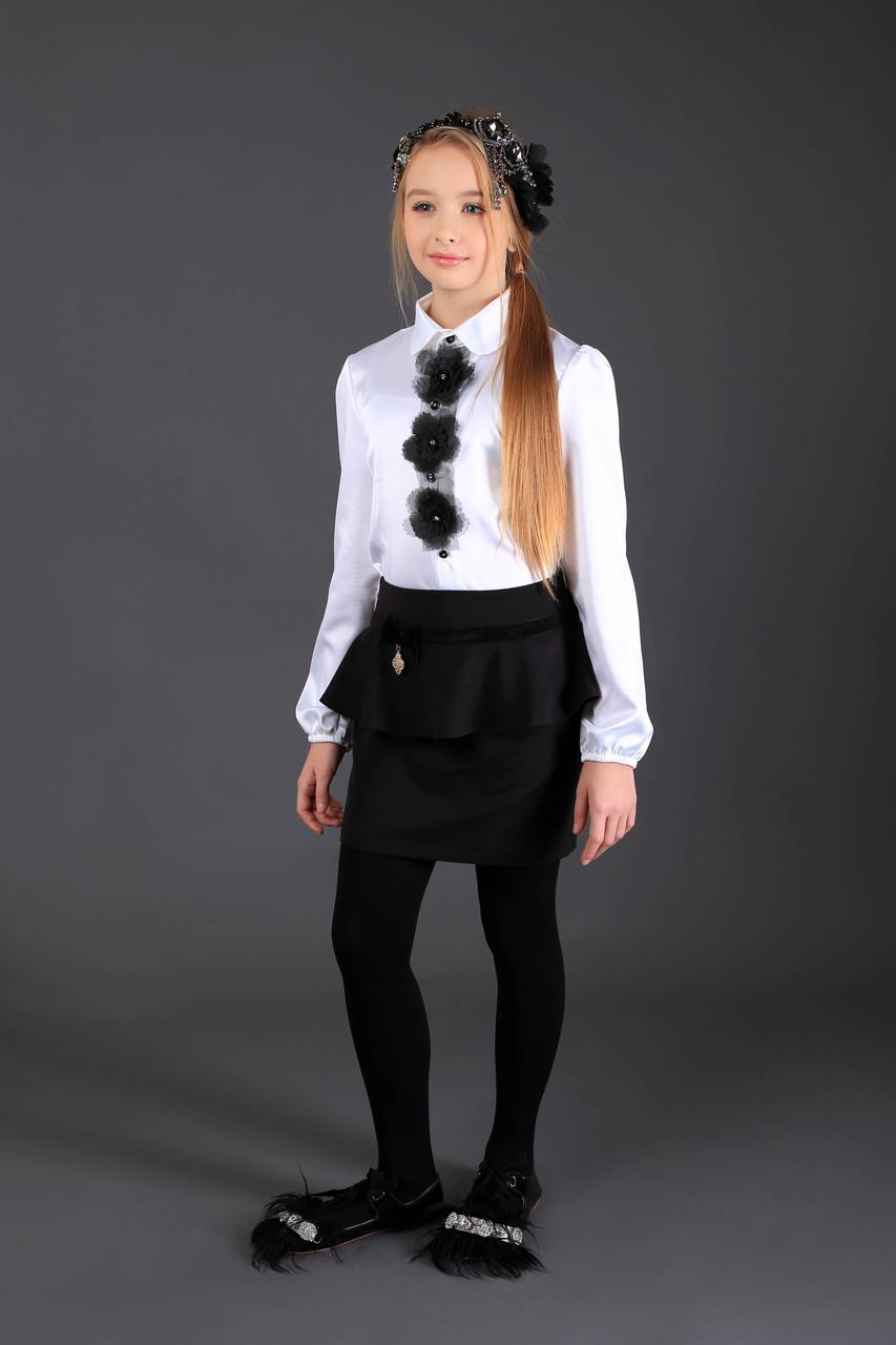 Школьная атласная блузка (белая с черными цветочками)  MONE р-р 128