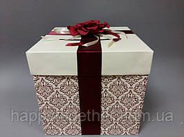 Коробка для денег с орнаментом и цветком