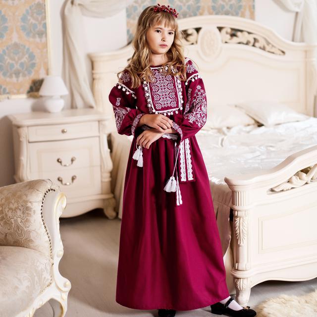 Більші розміри да даної моделі вишивки відшиваються у категорії жіночі вишиті  плаття. 066ce3b6709f4