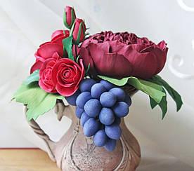 """Цветочная композиция """"Розы, пион, виноград, земляника"""" Декор интерьера"""