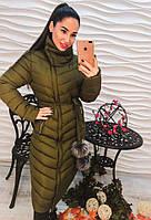 Женское зимнее удлиненное пальто Лина с меховыми бумбонами оливка