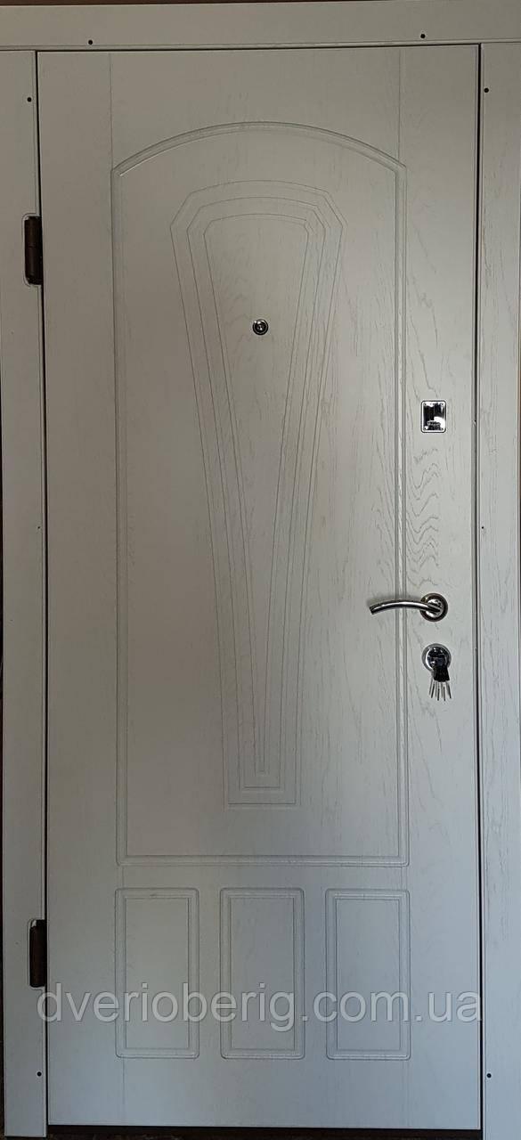 Входная дверь модель П3-334 белая текстура