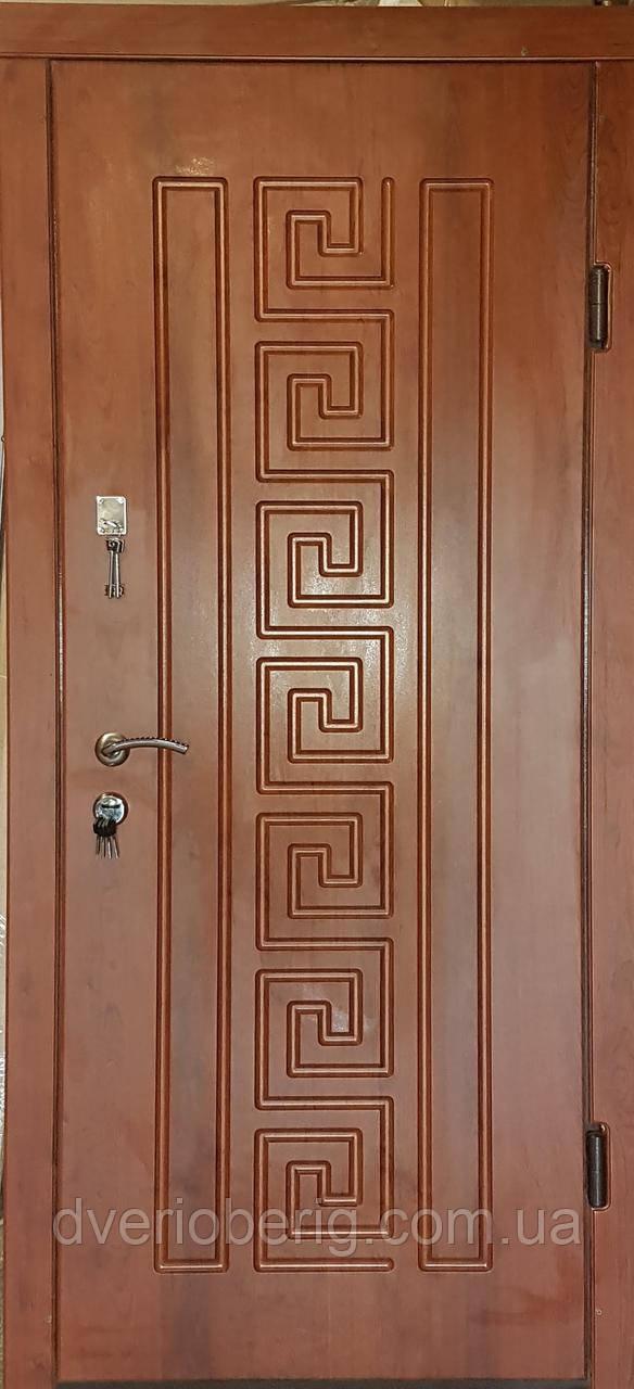 Входная дверь модель П3-302 кедр матовый