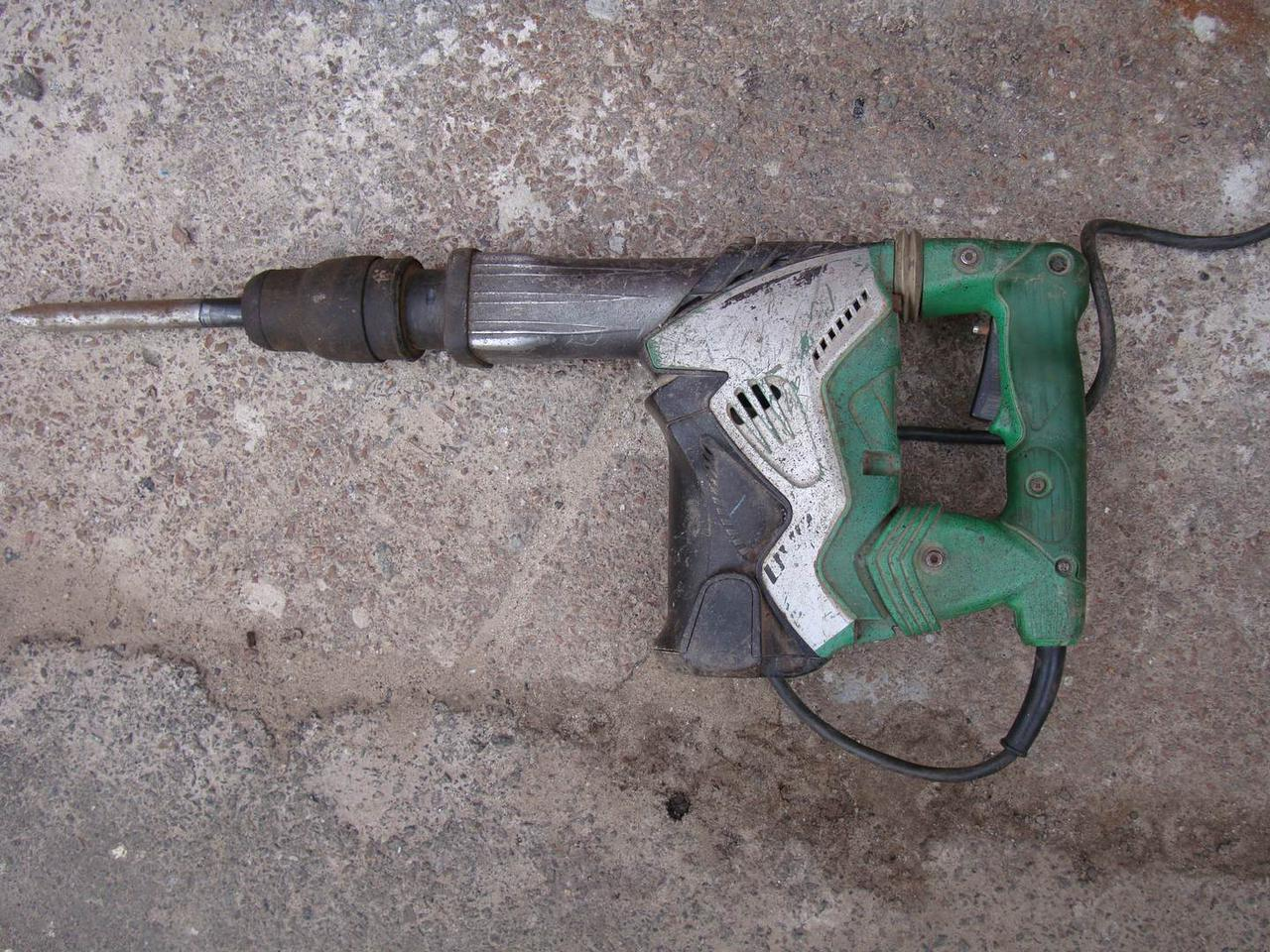 Отбойный молоток Hitachi H 45 MRY мощный 12,5Дж на профилактику