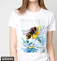 Футболки женские, пчелка на цветочке