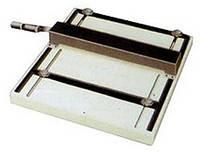 CM-420, ручная биговка ударного типа, рабочая ширина 400 мм, плотность материала 400 г/м².