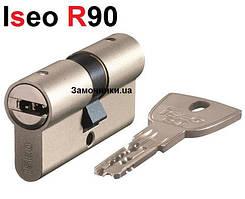 Цилиндр Iseo R90 70мм.(30х40) матовый хром