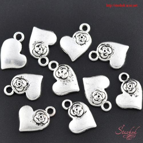 Металлическая подвеска сердце с цветком 13х11мм античное серебро для бижутерии