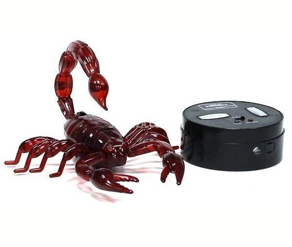 Интерактивная игрушка Скорпион - пульт ДУ, светятся глаза, отбрасывает хвост