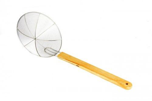 Профи шумовка с деревянной ручкой Спайдер D=200мм