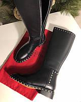 Кожаные сапоги VALENTINO Soul Rockstud на низком каблуке