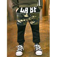 Спортивные штаны для мальчика в камуфляжной раскраске 110
