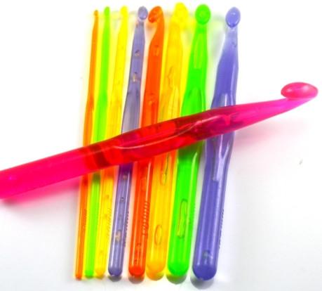 Крючок для вязания 15 мм, акрил