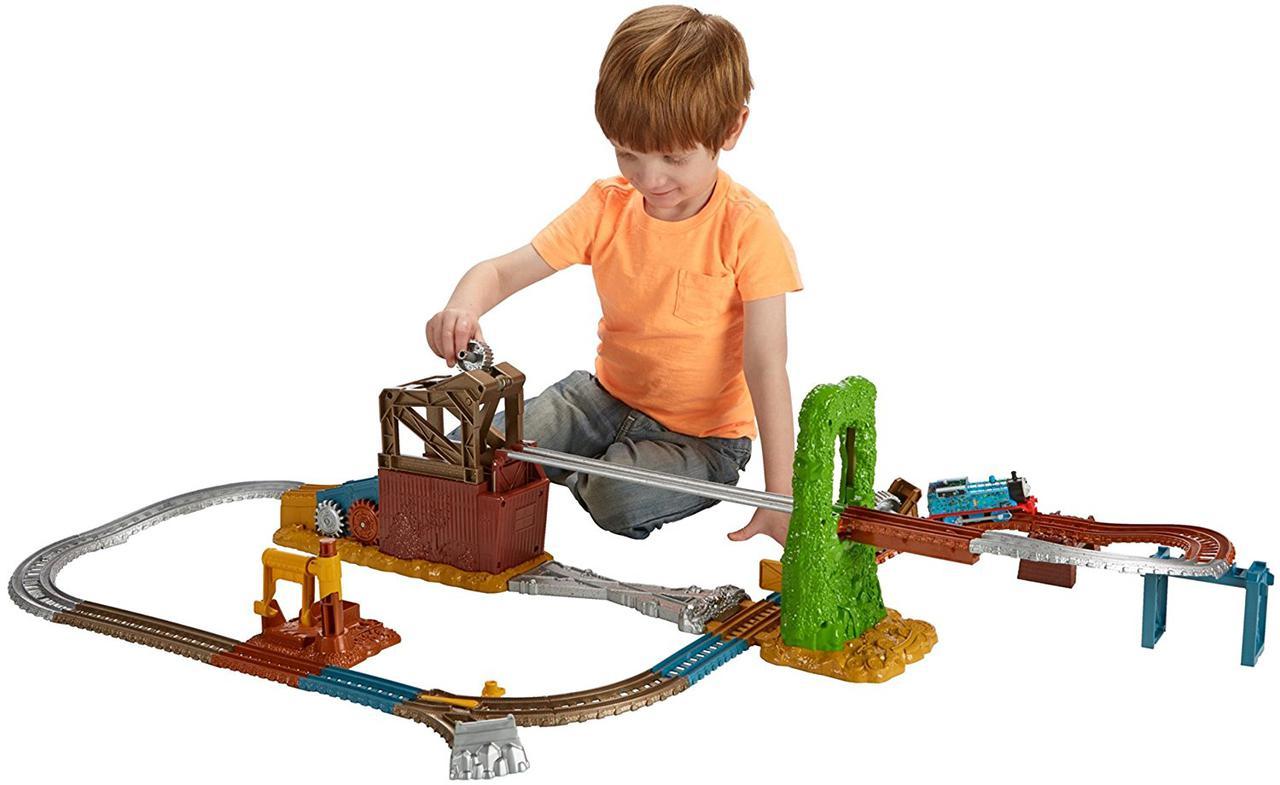Thomas & Friends™ TrackMaster™ Scrapyard EscapeТомас і друзі Втеча зі звалища (Томас и Друзья Побег со свалки)