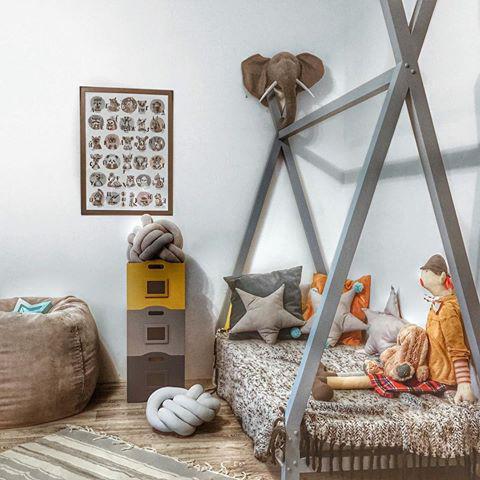 Домик кровать детский Вигвам из массива дерева