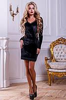 Черное облегающее платье из велюра