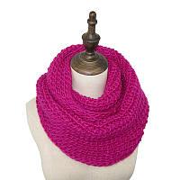 Стильный теплый вязанный женский шарф-хомут снуд малинового цвета