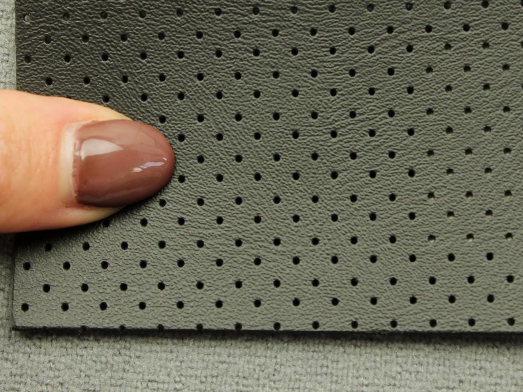 Термовинил перфорированный черный для перетяжки руля, дверных карт, панелей на каучуковой основе (tk-3-p)
