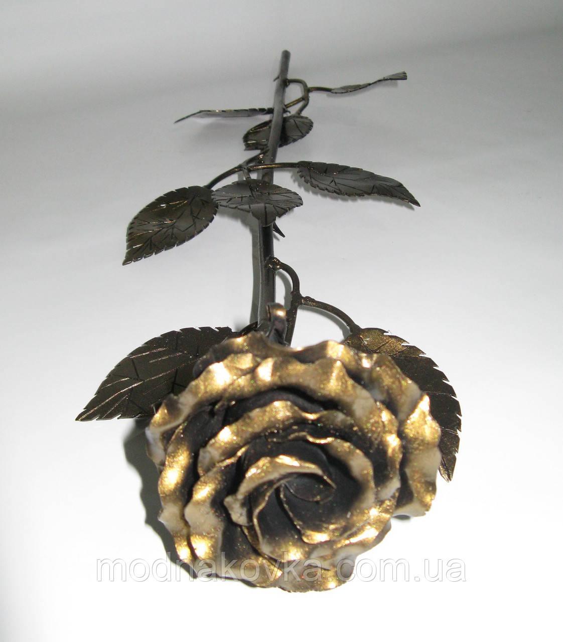 Роза кованая золотая 01