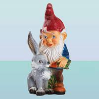 Садовая фигура, скульптура для сада Гном с зайцем (М)