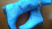 Кожаные демисезонные сапоги. Цвет в реале насыщенный голубой. Размер 36