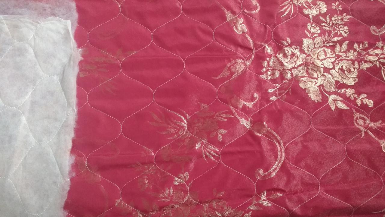 Жаккардовая матрасная ткань прошита синтепоном Красная