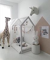 Кровать домик детский напольный из массива дерева