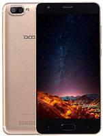 Смартфон с двойной камерой на 2 сим карты 5 дюймов 2/16Gb Doogee X20 золотой