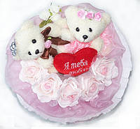 Букет из мягких игрушек Влюбленные Мишки