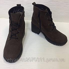 Ботинки на каблуке цвета шоколад