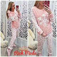 Женская мохровая пижамка с принтом Снежинки цвет Пудра