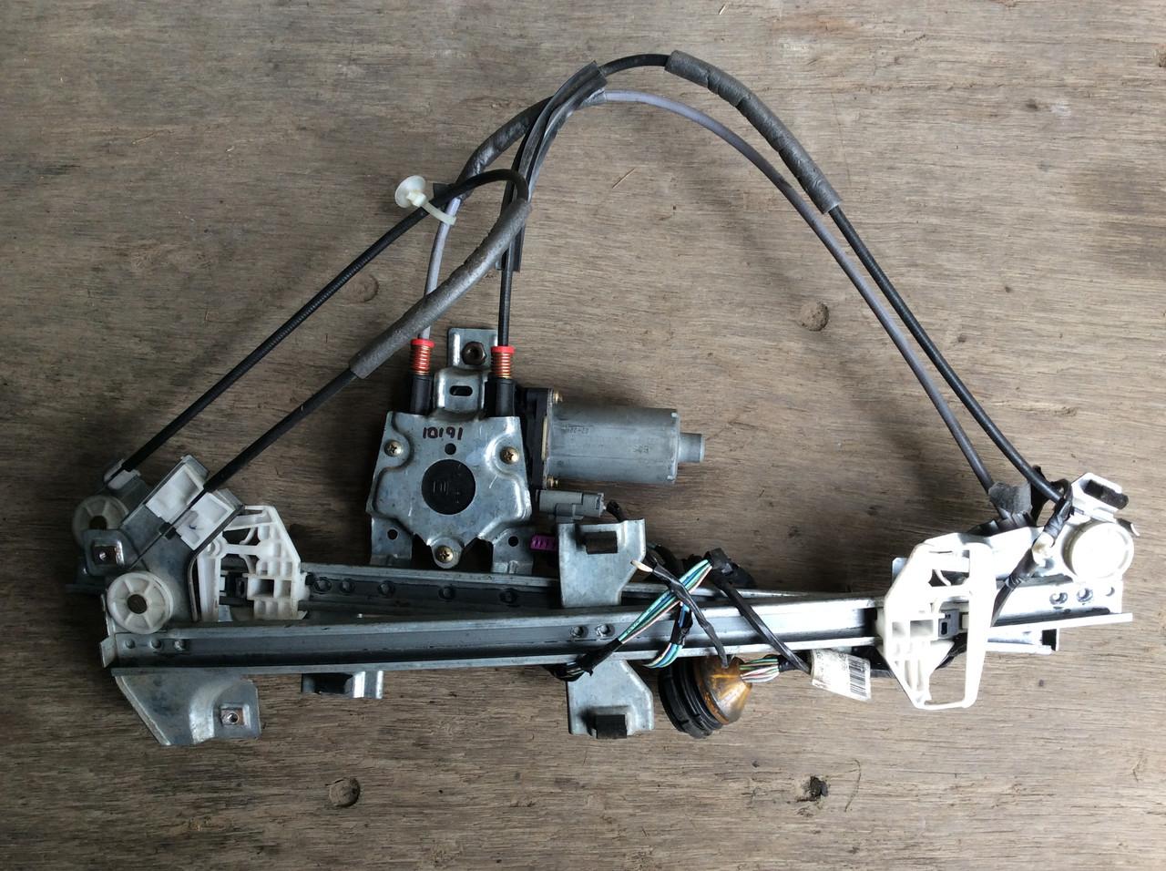 Стеклоподъемник моторчик стеклоподъемника склопідйомник правый Citroen Berlingo Peugeot Partner