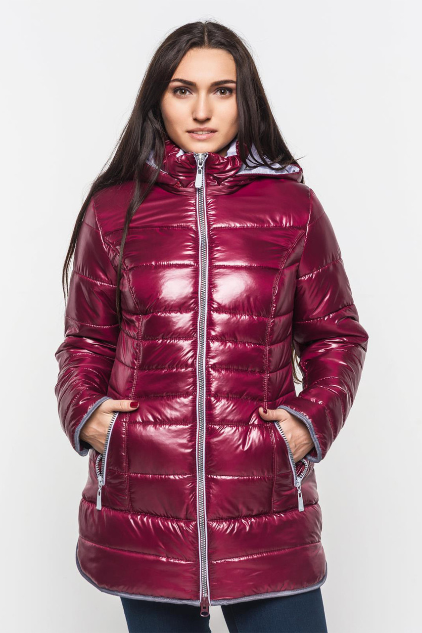 b028fb5be72 Зимняя теплая женская водоотталкивающая стеганая куртка со съемным  капюшоном на синтепоне 90107 1